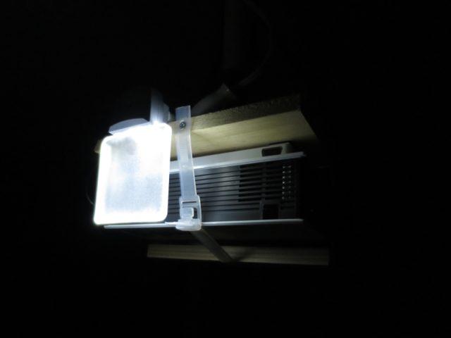 ホームシアター 暗い