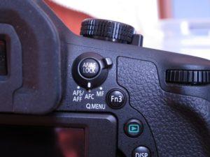 DMC-FZ1000のAFモードレバーをAFCにする