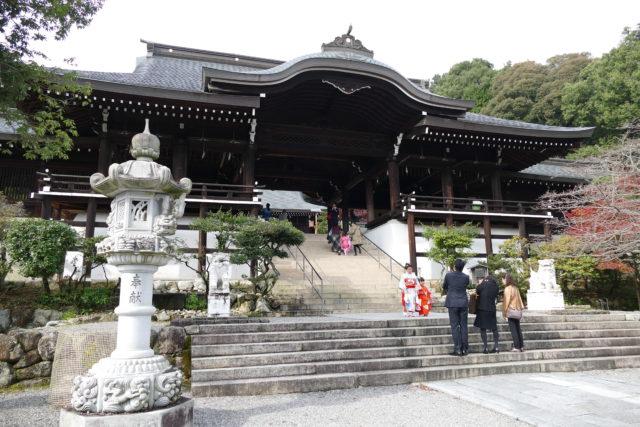 DMC-FZ1000で撮影 近江神宮の外拝殿