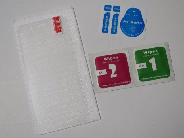 ZTE Blade V6 液晶保護ガラスフィルム 付属品