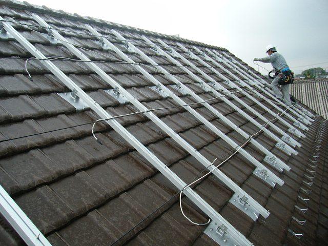 太陽光パネル 配線およびアースの設置