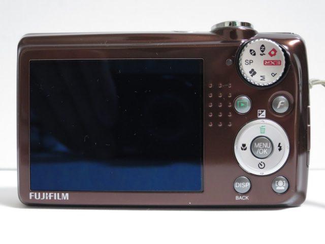 F70EXR 背面、液晶画面