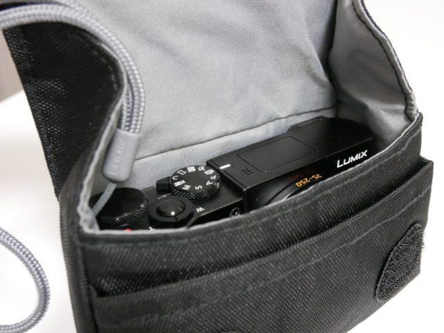 ナノ・カメラポーチ 5型にDMC-TX1を入れた様子