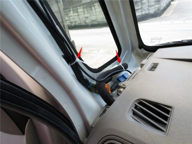 ドライブレコーダーの電源ケーブルの処理(ピラー内)