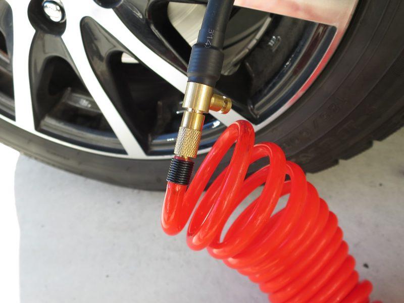 車のタイヤ空気入れ クリップ式簡単取り付けチューブ(エアーコンプレッサーホースへ取り付け)