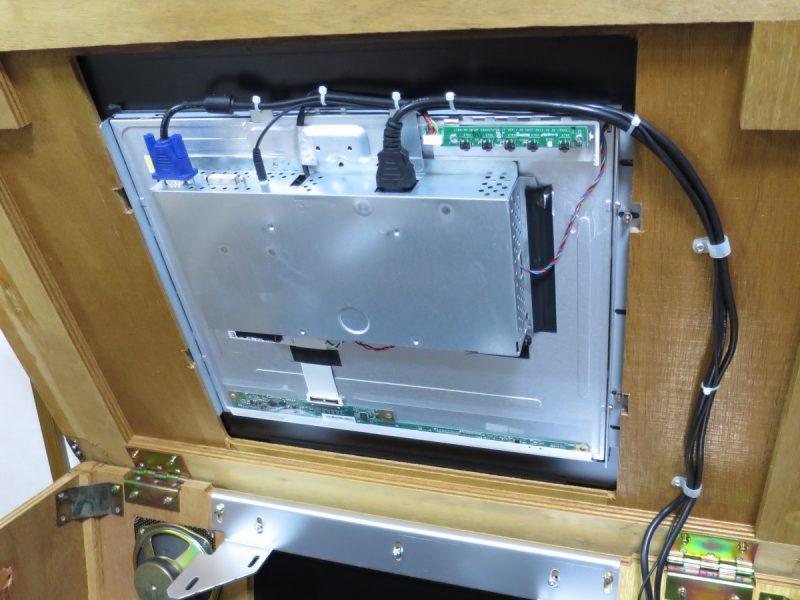 テーブル筐体内のLCD-AD192SEDSWへの配線