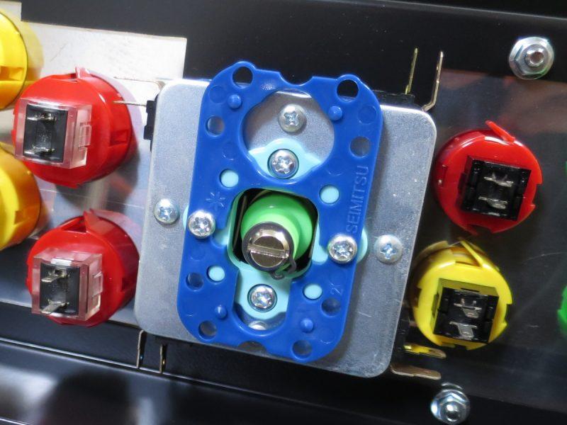 パソケードコントロールパネル セイミツ工業のレバーとボタン
