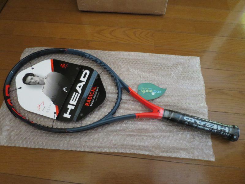 テニスラケット海外モデルの梱包