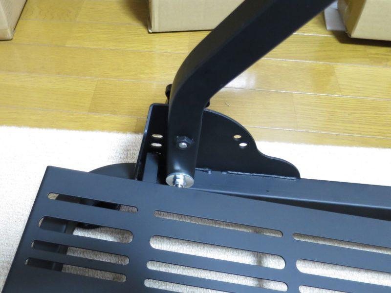 AP2 Racing Wheel Stand ベースにペダル踏み台の取り付け部アップ