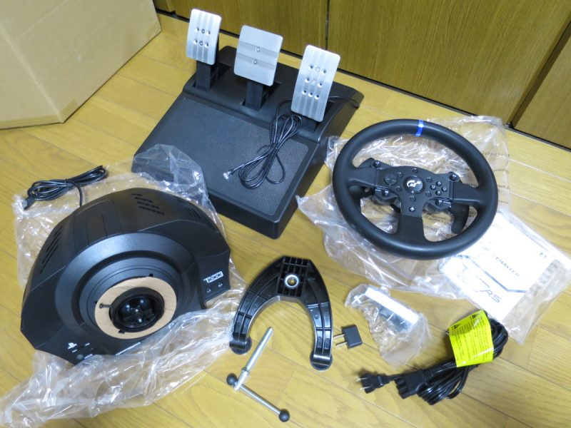 Thrustmaster T300RS GT Edition 付属品