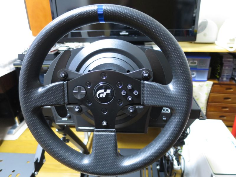 Thrustmaster T300RS GT Edition 正面から