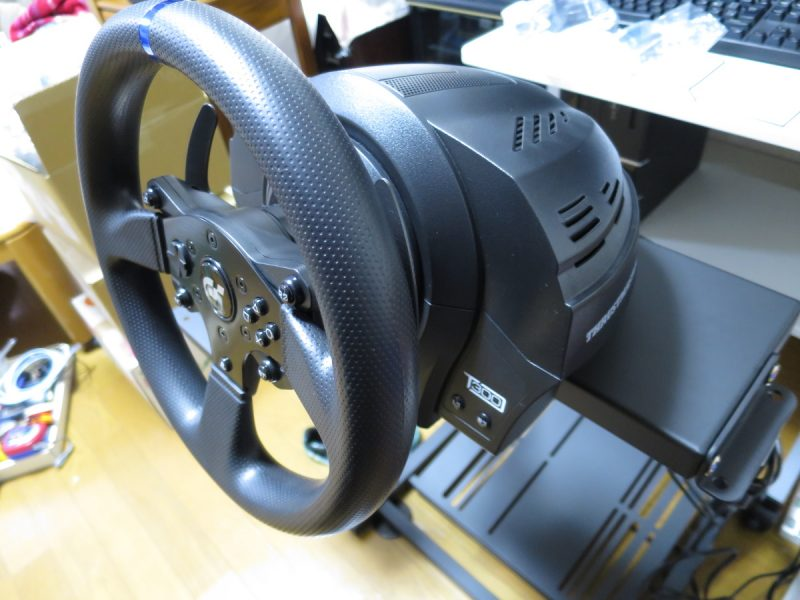 Thrustmaster T300RS GT Edition 斜め上から