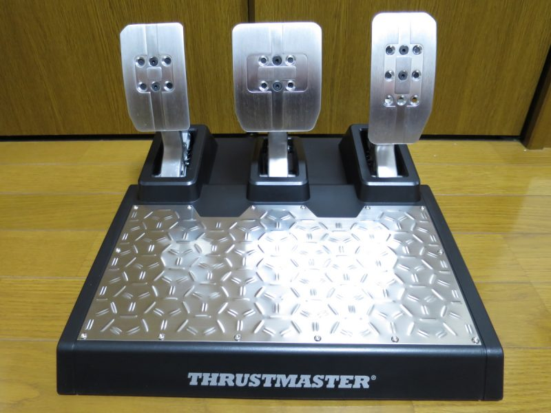 Thrustmaster T-LCM_Pedals 正面から